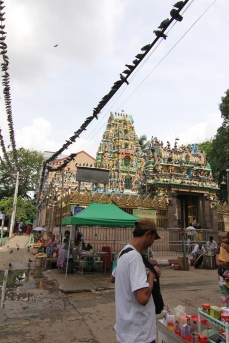 Shri Kali Temple, Yangon Hindu TempleIt was built by Tamil migrants whilst Burma Province was part of British India. The temple is noted for its colorful architecture, especially its roof, which contains images and stone carvings of many Hindu gods.